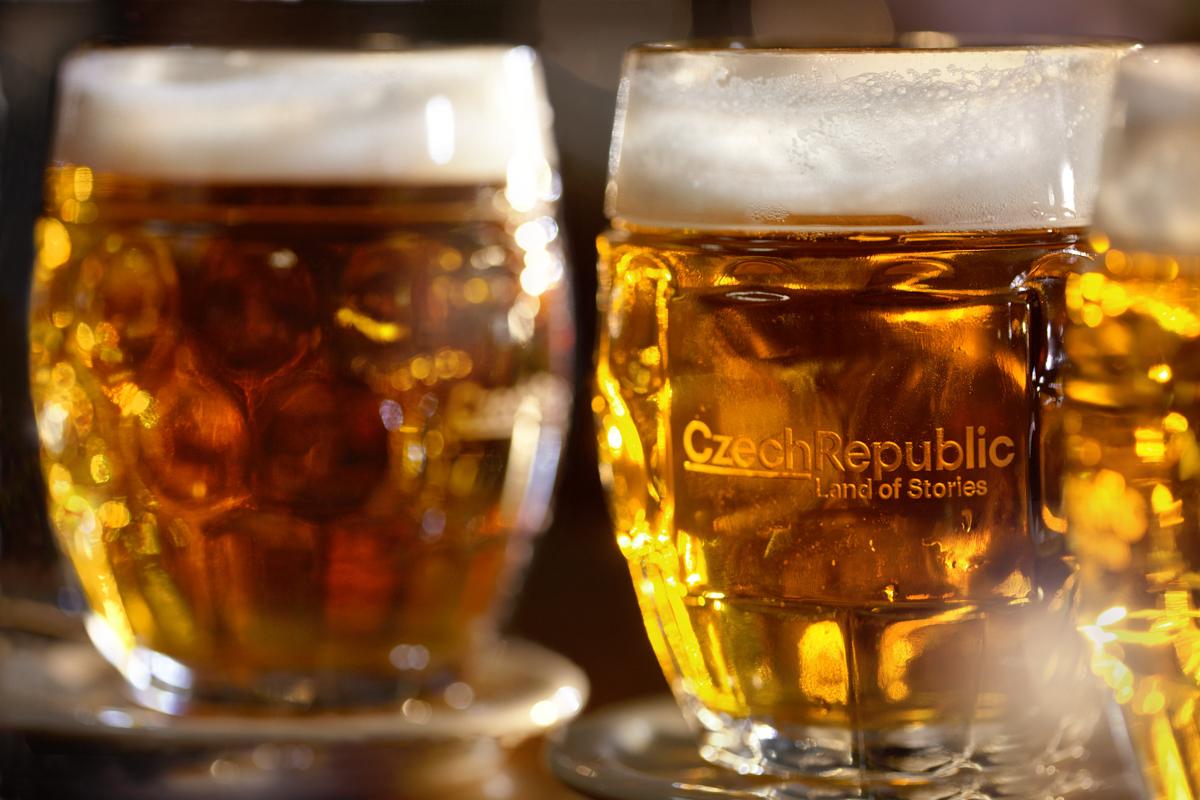 Comer como checo: las bebidas que mejor acompañan cada platillo