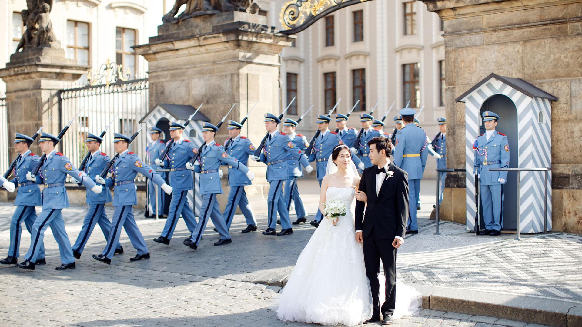 Cambio de guardia en el Castillo de Praga.