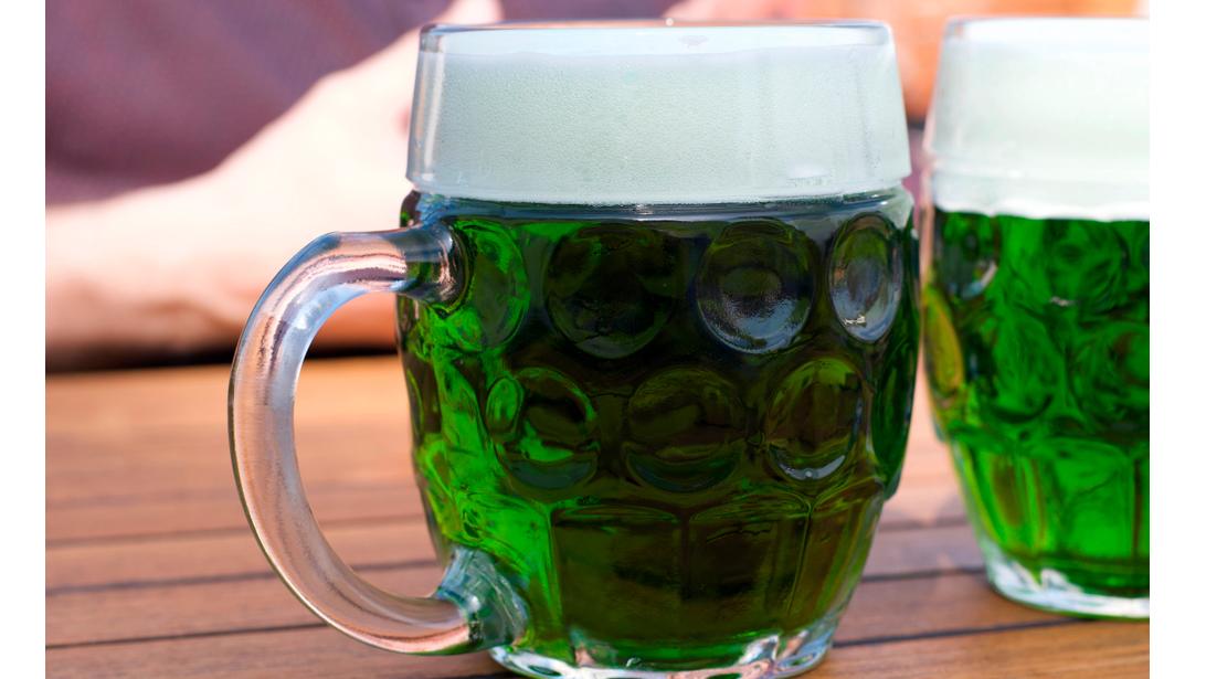 Cerveza verde en Semana Santa.
