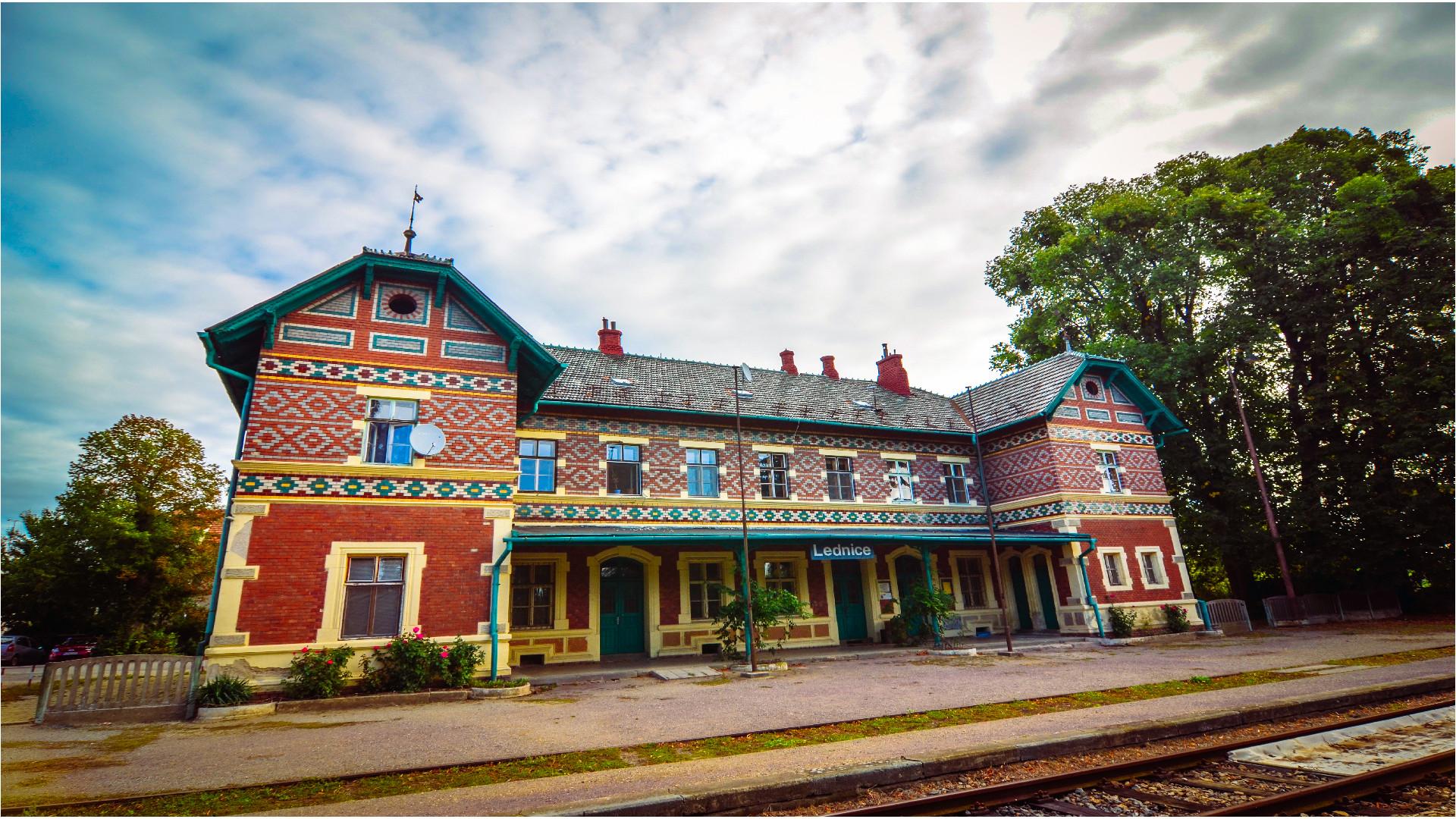 As 10 estações de trem históricas mais incríveis da república tcheca